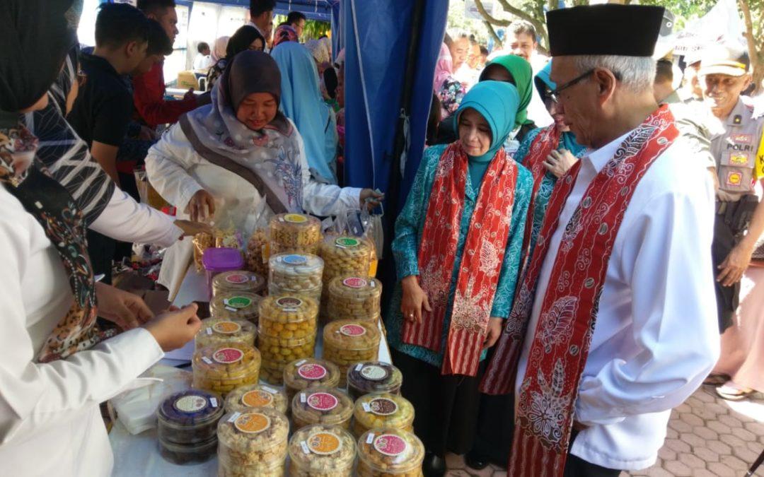 Kunjungan Bapak Bupati Kabupaten Bondowoso di Stand Bazar