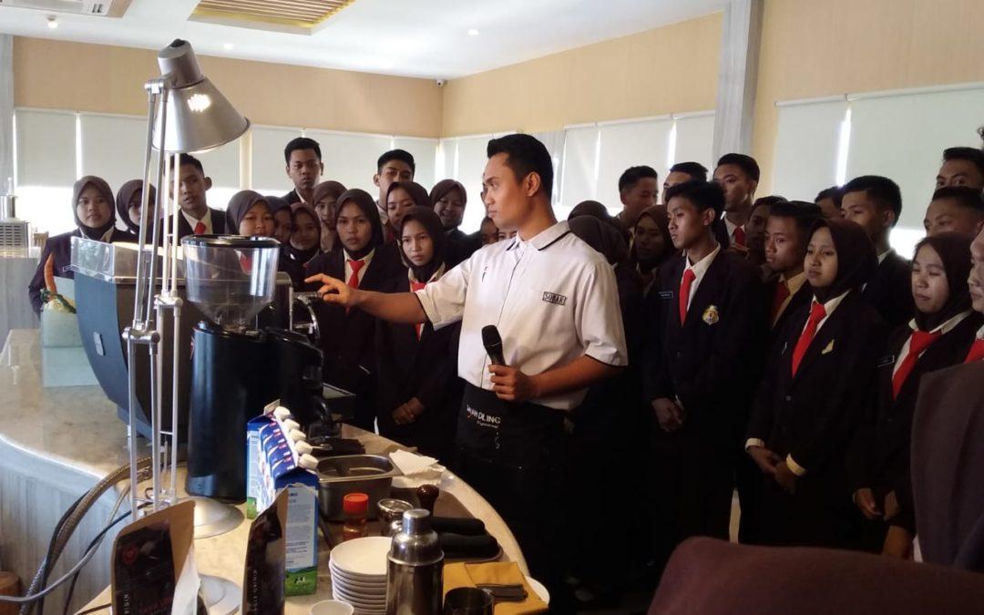 Kunjungan Industri Kompetensi Keahlian Perhotelan di Luminor Hotel Banyuwangi