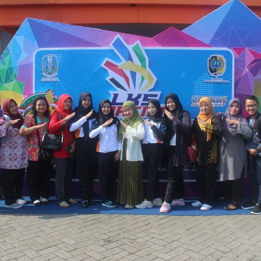 Siswa SMK Negeri 2 Bondowoso di LKS Provinsi Jawa Timur