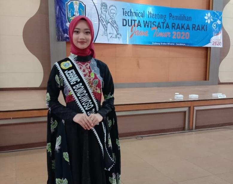 Siswi SMK Negeri 2 Bondowoso di Ajang Pemilihan Duta Wisata Raka Raki Jawa Timur